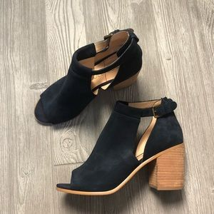 Sole Society Ferris Ankle Boot in Ink Size 11
